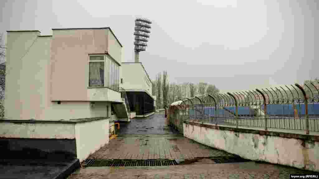 «Локомотив» был построен в 1967 году. Он был одним из двух стадионов в Украине, где свои матчи проводила сборная СССР