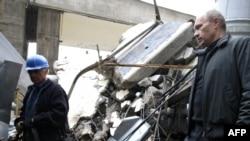 Президент России Владимир Путин на месте аварии, 2009 год
