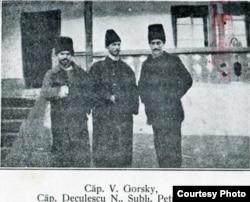 După trecerea frontului: Gorsky-Deculescu-Lazăr (Foto: V. Gorsky, Pribeag în țara mea..., 1925)