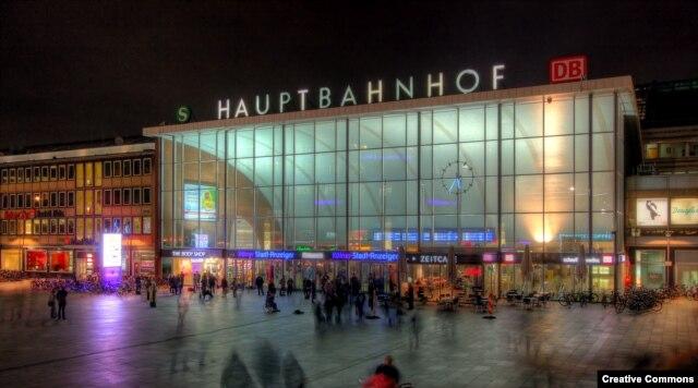 Здание вокзала в Кёльне