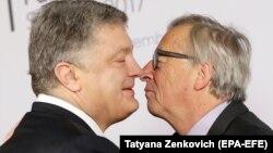Петро Порошенко (л) і Жан-Клод Юнкер (п), архівне фото