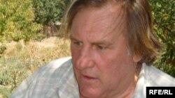 Француз актеры Жерар Депардье. Келте Машат ауылы, Оңтүстік Қазақстан облысы, 3 қыркүйек 2009 жыл
