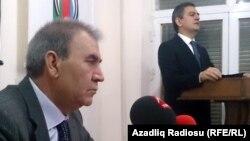 Arxiv fotosu: Milli Şuranın sədri professor Cəmil Həsənli (öndə) və AXCP sədri Əli Kərimli