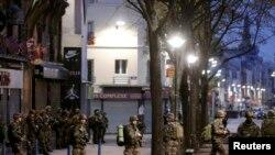 فرانس: نن د نومبر ۱۸مه په پاریس کې پولیس او پوځ په ګډه عملیات پیل کړي