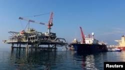 منصة لتصدير النفط في ميناء البصرة