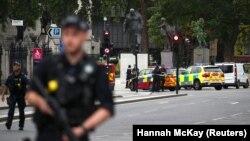 Pamje nga vendi i sulmit në Londër.