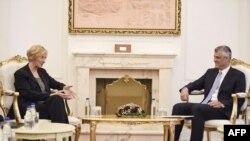 Takimi që presidenti Hashim Thaçi ka zhvilluar me ministren italiane të Mbrojtjes, Roberta Pinotti, 18 prill 2016