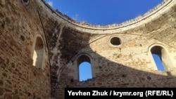 Еще 100 лет назад мечеть украшал купол, который до наших дней не сохранился