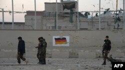 Мазари-Шариф шаарындагы Германиянын консулдугуна жасалган чабуулдан алты киши мерт кетти.