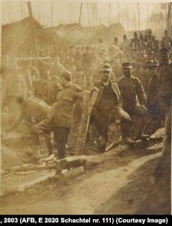 Prizonieri Centrali în pădurea Băcești, martie 1918