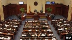 Пратеникот Илија Димовски зборува во македонското Собрание
