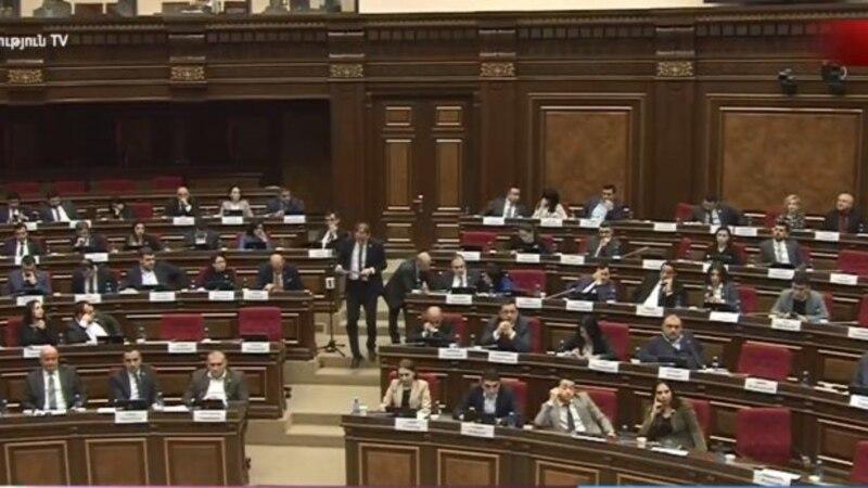 Оппозиционер Арман Бабаджанян призвал Левона Йоляна покинуть пост председателя Контрольной палаты