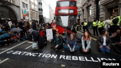 Protest al Extinction Rebellion la Londra, aprilie 2019