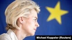 Германската министерка за одбрана Урсула фон дер Лeјен е номинирана за претседателка на Европската комисија.