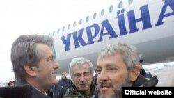 """Моряки """"Фаины"""" узнали, кому, кроме президента Ющенко, они обязаны жизнью"""