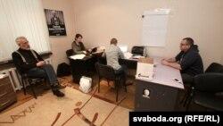 """У офісе """"Вясны"""", 26 лістапада 2012 году"""