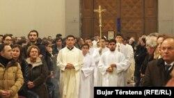 Vernici u Crkvi majke Tereze u Prištini