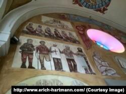 Участники Майдана и солдаты, воюющие в Донбассе - на фресках львовской церкви