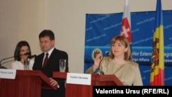 La conferința de presă comună