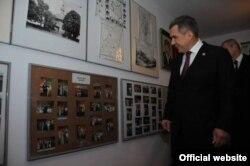 Рөстәм Миңнеханов Польша татарлары тарихына багышланган музей белән таныша