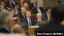 Мило Джуканович (с) на сесії парламенту, Подгориця, 27 січня 2016 року