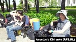 """Участники лагеря """"ОккупайАбай"""" перебираются на Баррикадную"""