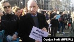 Protest novinara mahom lokalnih medija ispred zgrade Vlade Srbije u Beogradu
