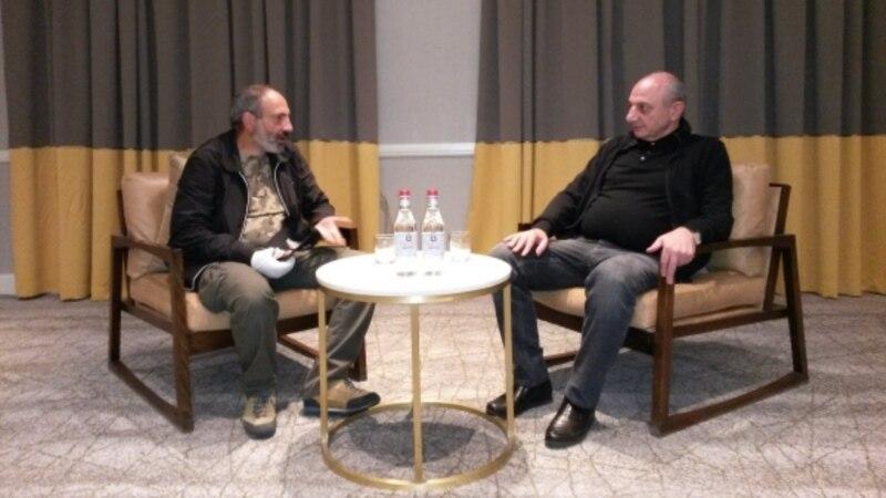 Բակո Սահակյանը և Նիկոլ Փաշինյանը անդրադարձել են Հայաստանի ներքաղաքական իրավիճակին