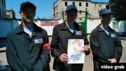 СМИ группировки «ДНР» показывают несовершеннолетних заключенных СИЗО №5 (Радио Свобода не показывает лица детей, так как съемка могла вестись без их согласия)