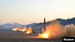 Rachete balistice lansate de Coreea de Nord