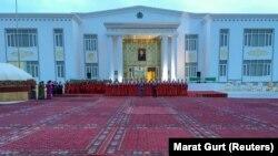 Türkmənistanda seçki, arxiv fotosu