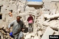 Stanovništvo Alepa obilazi ruševine starog grada, 15. avgust 2016.