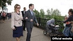 Президент Медведев с супругой в Ярославле, август 2008 года