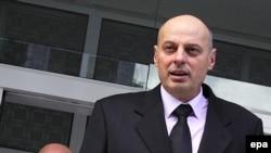 Agim Čeku ispred suda u Bugarskoj