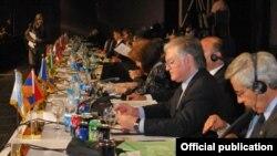 Եգիպտոս - Հայաստանի արտգործնախարար Էդվարդ Նալբանդյանը ելույթ է ունենում Չմիավորման շարժման նախարարական հանդիպմանը, Շարմ էլ-Շեյխ, 10-ը մայիսի, 2012թ., լուսանկարը` ԱԳՆ-ի