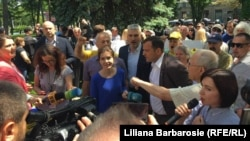 Liderii Blocului ACUM, Maia Sandu (dreapta) şi Andrei Năstase (al patrulea din dreapta)