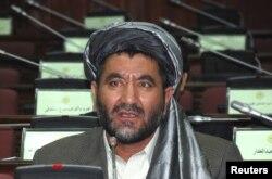 Ахмад Хан Саманґані виступає в парламенті, архівне фото