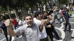 Демонстранти йдуть вулицями Баку