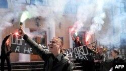 Активісти забороненої «Націонал-більшовицької партії» під час однієї з акцій в Санкт-Петербурзі. 2010 рік