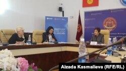 Гульбара Калиева на встрече с руководителями СМИ.