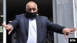 Бойко Борисов обяви, че отново ще кандидатстваме за чакалнята на еврото в Хасково, където провери производството на защитни маски