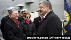 В Одесу сьогодні приїхали Порошенко, Йованович та Волкер