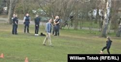Poliţia atrage atenţia asupra respectării limitării contactelor, într-un parc berlinez
