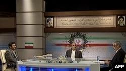 Під час теледебатів (зліва: Махмуд Ахмадінеджад. зправа: Мір Хосейн)