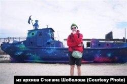 Граффити Степана Шоболова на кладбище рыболовецких кораблей, остров Ольхон на Байкале