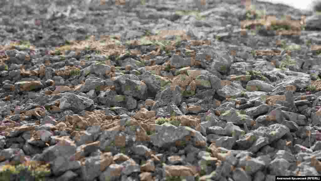 Труднопроходимая «сыпуха» – участок маршрута сплошь из мелких камней