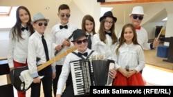 Uključeno je oko 400 osnovaca iz Srebrenice, a djeca uče svirati, pjevati, plesati: hor Superar