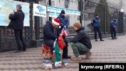 «Putinniñ Qırımda hırsızlanğan insanlar aqqında dünya masalları» adlı aktsiya