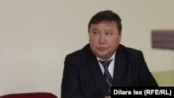 Адвокат экс-журналиста портала Ratel.kz Динары Бекболаевой Дауренбек Момбаев. Шымкент, 3 мая 2018 года.