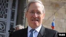 Ambasadori i Shteteve të Bashkuara në Beograd, Michael Kirby.